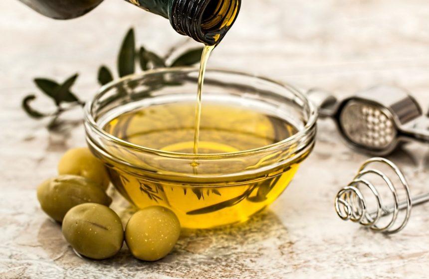 Топ 5 на маслата за подхранване на косата